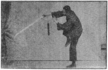 《昆吾劍譜》 李凌霄 (1935) - posture 60